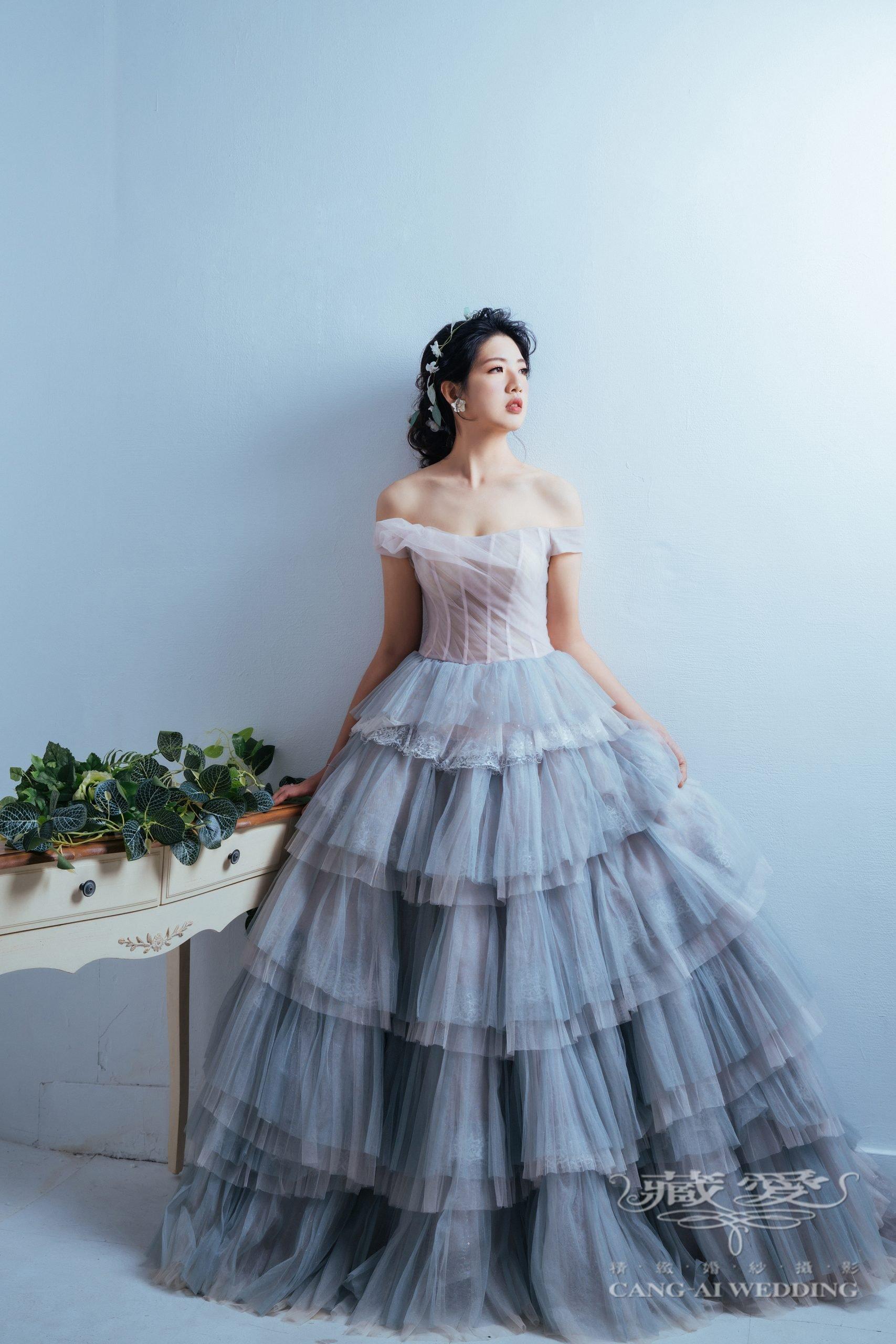 最新款禮服,2021年初晚禮服流行兩大元素!